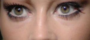 Ojos de Nanda Von Bergen (Vicky Adams)