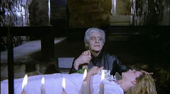 Olivier Mathot como Morpho en NEUROSIS.