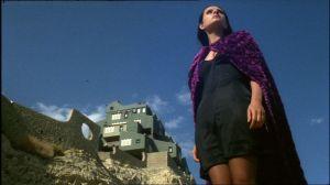 Soledad Miranda frente al Xanadú de Calpe, del amigo Bofill.